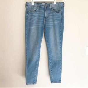 Mossimo High Rise Skinny Jeans Size 18